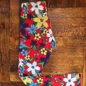 Nike Red floral Hawaiian print leggings. Size XS.